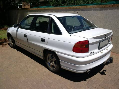 1996 Opel Astra 160iE Manual | Car Zone Bloemfontein