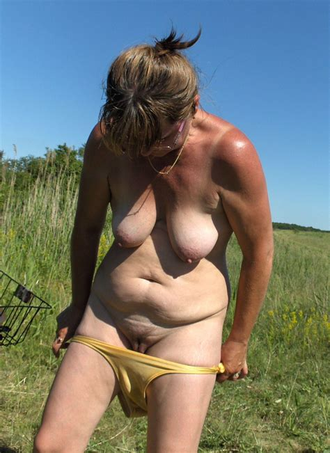 Doris Naked Outdoors At Homemoviestube Com