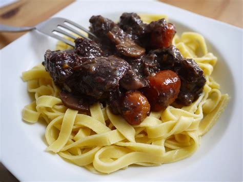cuisiner du boeuf boeuf bourguignon rapide blogs de cuisine