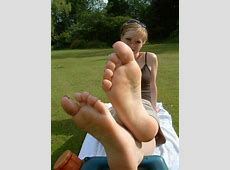 Isaf Smelly Bare Feet Soles Toes Closeup Hq Yahzee