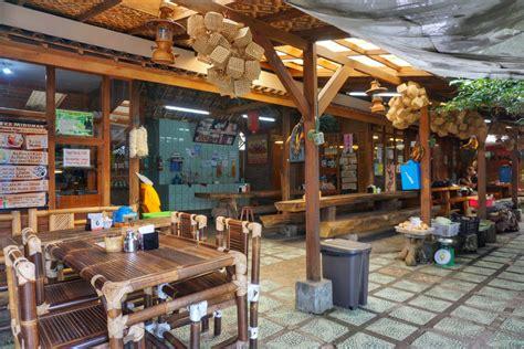 rumah kayu kafe taiwan lembang pergidulucom