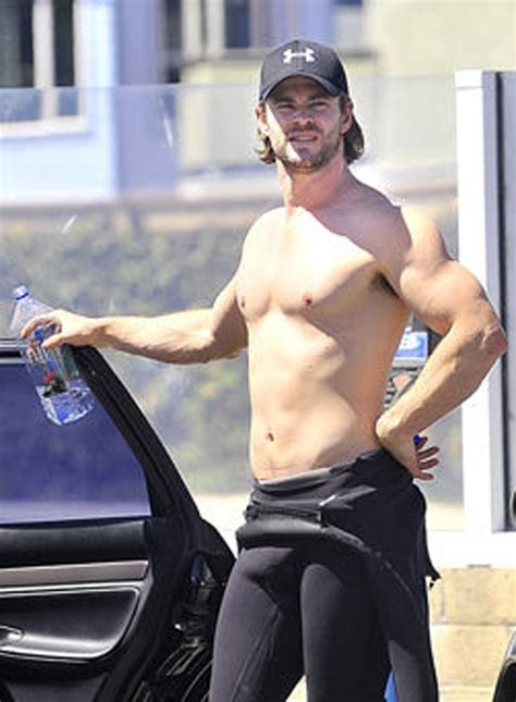 chris hemsworth is insanely photogenic the male fappening