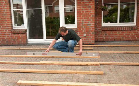 badezimmer abdichten terrasse selber bauen anleitung in 4 schritten