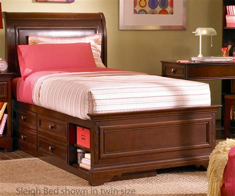 Bedroom Sets High Quality by Southernspreadwing Page 114 Simple Bedroom For Mans
