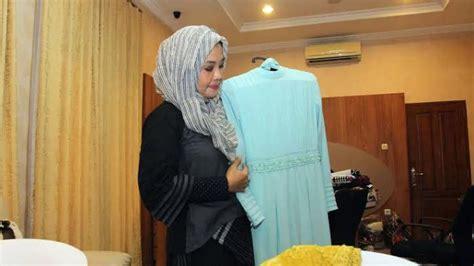 iriana jokowi pesan baju muslim sederhana  pernikahan