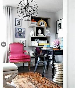 Petit Bureau Noir : retrouvez la chaise transparente un beau bijou pour votre ~ Teatrodelosmanantiales.com Idées de Décoration