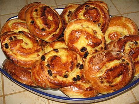 brioches au chocolat et raisins secs choumicha cuisine