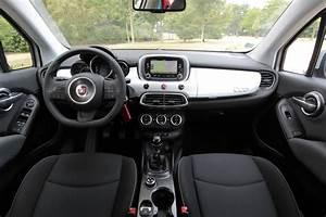 Fiat 500 Interieur : a l 39 int rieur de la fiat 500 x 1 4 multiair 140 ch ~ Gottalentnigeria.com Avis de Voitures
