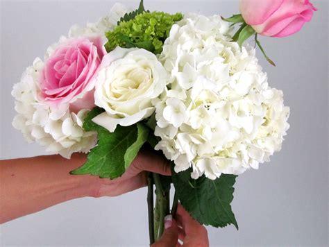 step by step bouquet tutorial roses hydrangeas