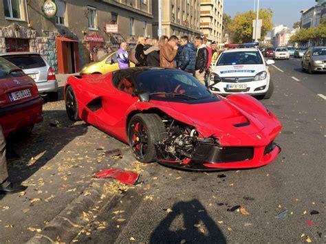 ferrari laferrari crash video shows driver crashing his 1 4 million ferrari