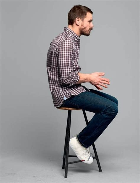 Cool-men-work-putfits-with-sneakers-18