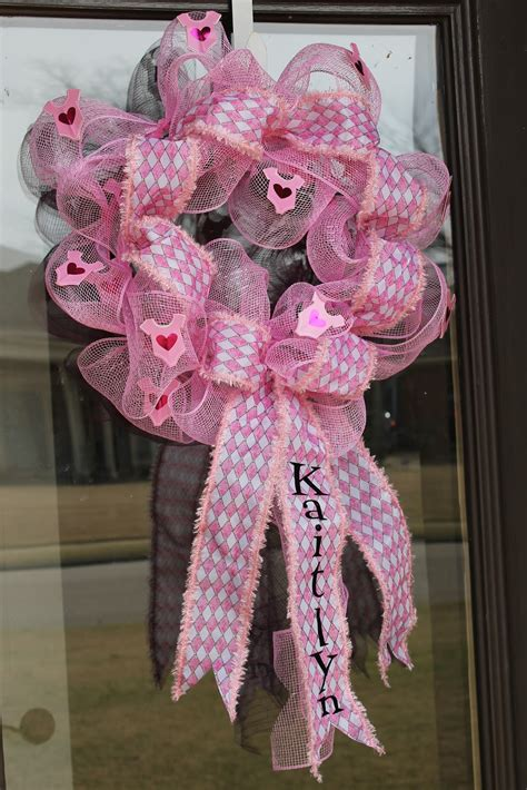 how to make a door wreath how to make a mesh wreath 30 diys with instructions guide patterns