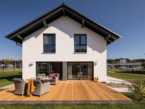 Modernes Fertighaus Von Fingerhaus  Musterhaus Günzburg