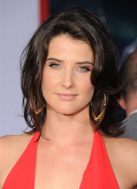 Cobie Smulders pictures gallery (37) | Film Actresses