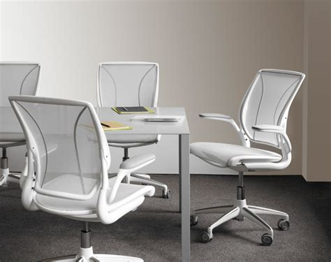 Diffrient World Chair The Humanscale Diffrient World Chair Review