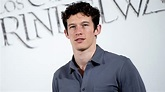 Callum Turner on 'Fantastic Beasts' and Slowly Going Mad ...