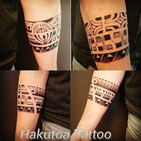 tatouage polynesien homme bracelet sur avant bras