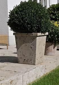 Beispiele Für Terrassengestaltung : garten ideen f r deine terrassengestaltung 10 pflanzgef ss aus travertin naturstein im garten ~ Bigdaddyawards.com Haus und Dekorationen