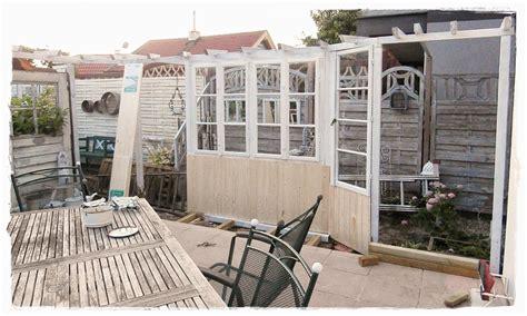 Sichtschutz Fenster Gartenhaus by Shabby Landhaus Alte Fenster Garten Inspiration