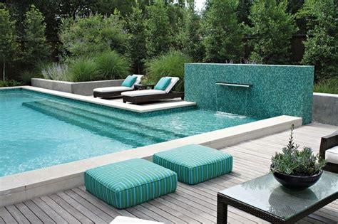 pool fliesen fuer ein modernes schwimmbecken archzinenet