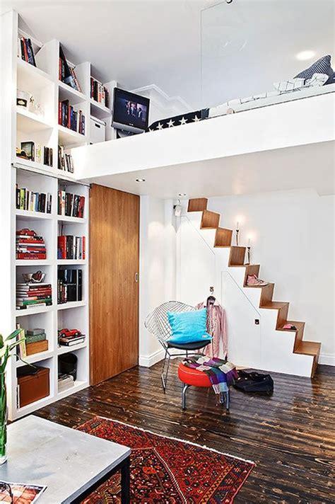 Smallloftbedwithhomelibrary