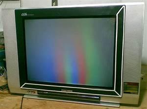 Service Elektronik  Tv Polytron U Slim Gambar Pelangi