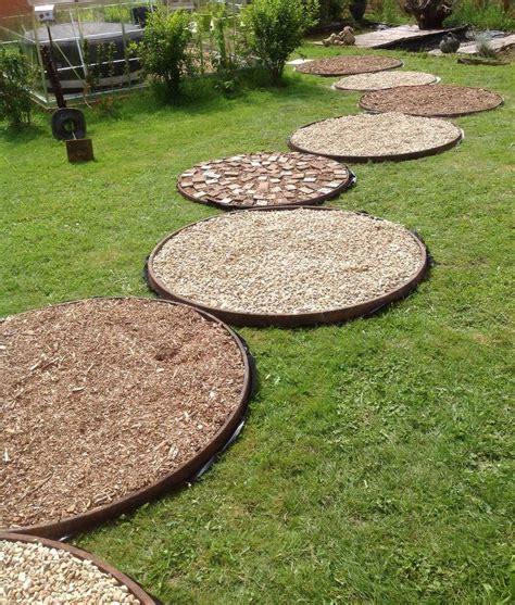 faire une allee de jardin cercles de roues de charrettes