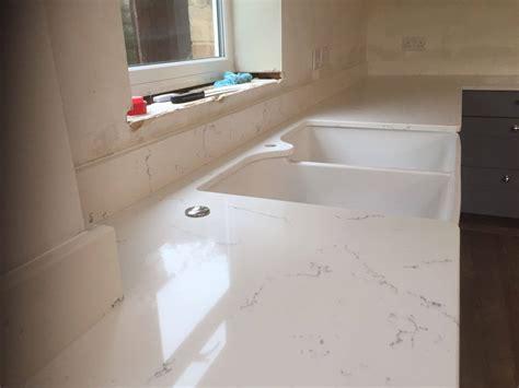 carrara white quartz rock   granite