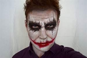 Zombie Schminken Bilder : beliebte make up idee f r m nner joker aus batman halloween halloween halloween makeup ~ Frokenaadalensverden.com Haus und Dekorationen