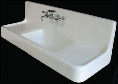 farmhouse kitchen sink with drainboard 25 best ideas about cast iron farmhouse sink on 8912