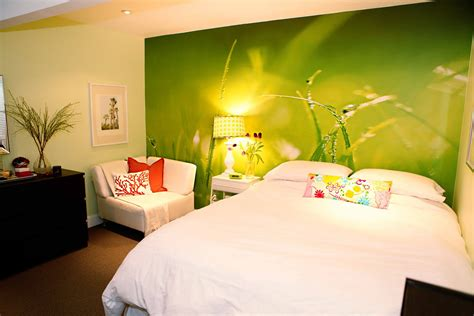 stickers muraux chambre adulte house in the city room tour 39 s tween basement