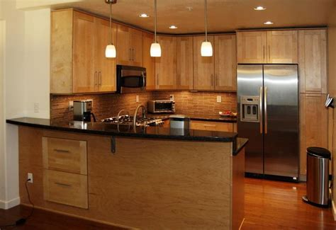 images of maple shaker cabinets   View entire picture