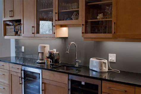 Kitchen Glass Backsplashes by 28 Trendy Minimalist Solid Glass Kitchen Backsplashes