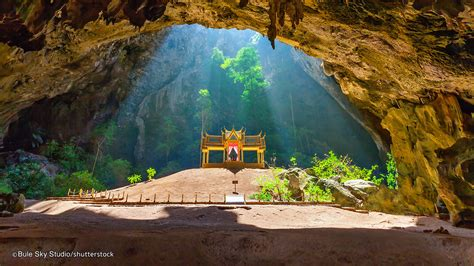 Phraya Nakhon Cave - An amazing temple inside a hidden ...