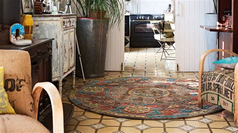 chambre haut de gamme on veut un tapis rond pour embellir une pièce