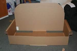 Fabriquer Un Personnage En Carton : un canap en carton et mousse de r cup recyclage et cie ~ Zukunftsfamilie.com Idées de Décoration