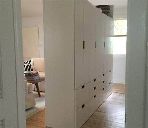 repeindre un meuble cuisine créer une séparation de pièces facilement avec rangements