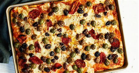 pizza sheet baking tomatoes
