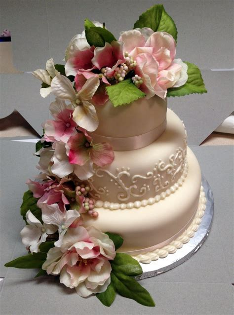 silk flowers  wedding cakes idea   bella wedding