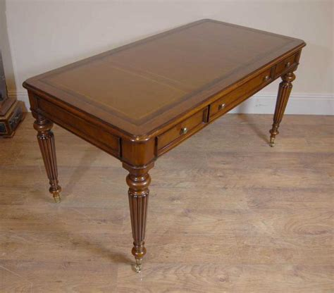 table bureau gillows writing desk table bureau