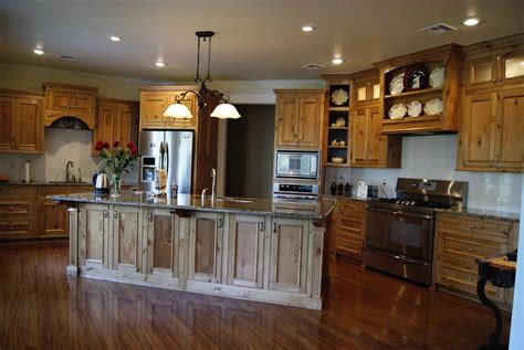 hand  classic country kitchen  grayson artistry