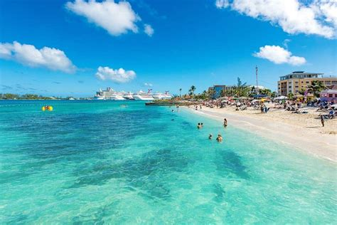 World's Top 10 Best Christmas Vacations For Families