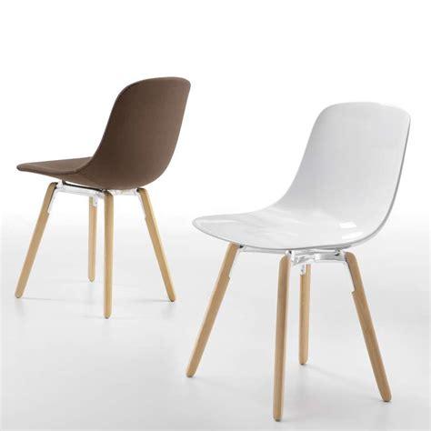 chaise design pied bois chaise design en plexi pieds bois loop wooden