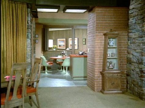 what does the of the interior do set the brady bunch the brady residence