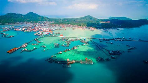kota terunik  atas air laut pulau sedanau natuna
