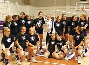 Holy Cross Women's Volleyball Team Tops National Community ...