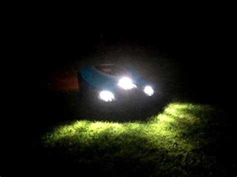 rasenroboter gardena sileno mit led beleuchtung ausstatten