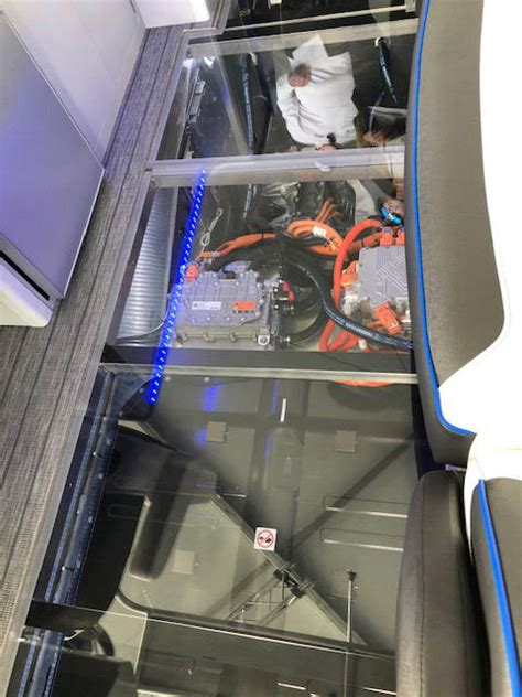 Electric Motors Miami by Miami 2019 Gm Displays Prototype Electric Boat Trade