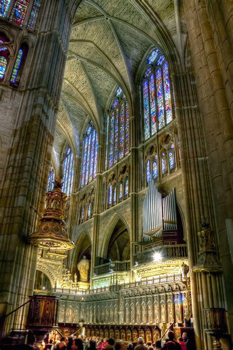 interior de la catedral de leon  hdr  image