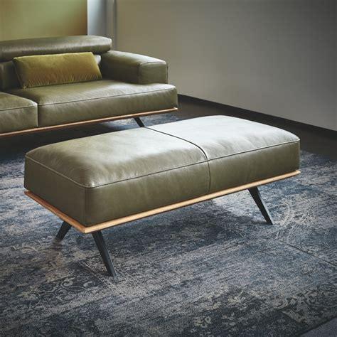 canapé d angle large assise canapé angle design contemporain cuir et bois temperant pm